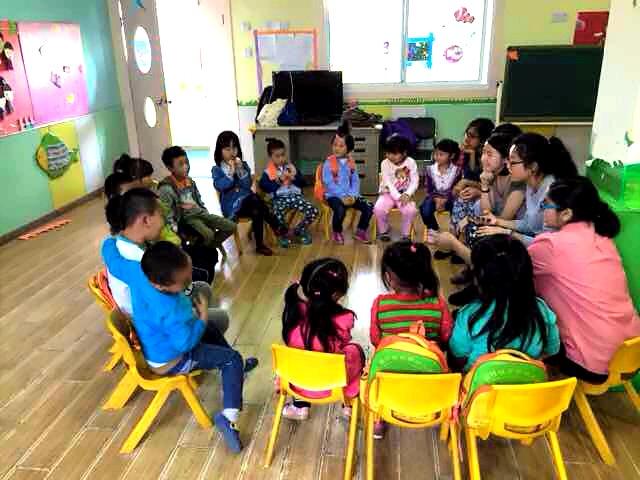 Volunteers' first day at Yongmei School